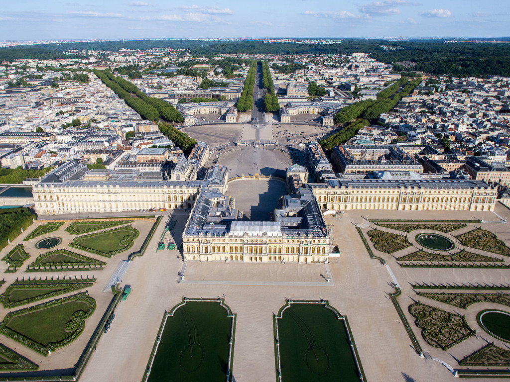 Chateau de versailles archives the travelling historian - Photo chateau de versailles ...